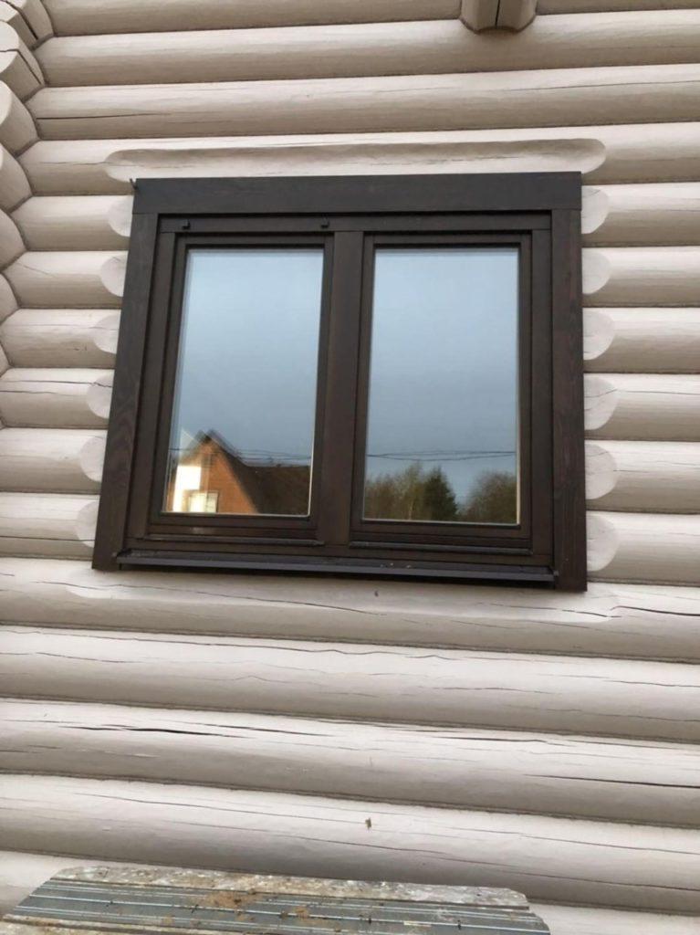 Окна и двери из массива в коттедж из бревна