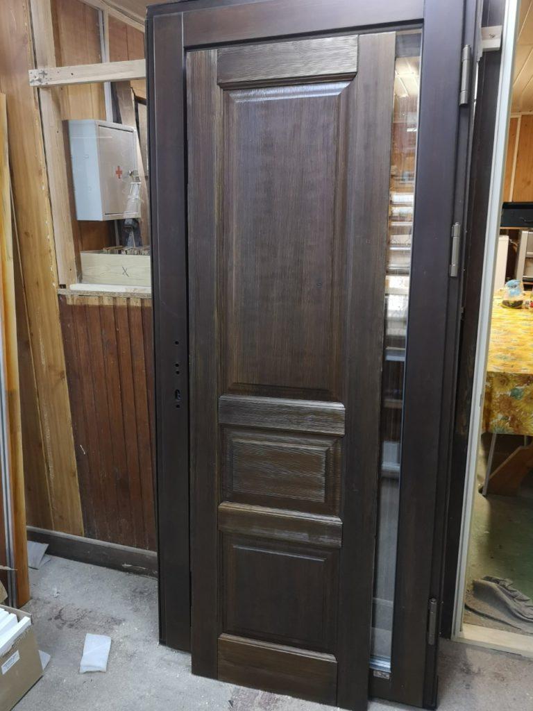 Межкомнатные двери из массива (цвет венге)
