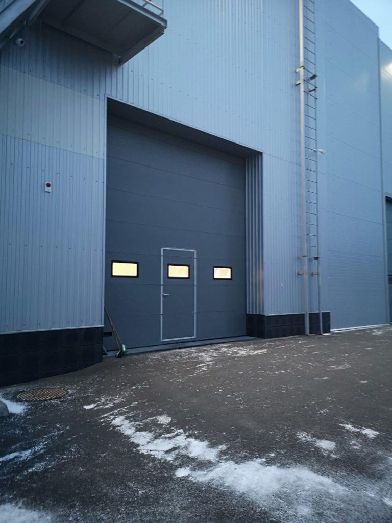 Монтаж промышленных ворот для производства