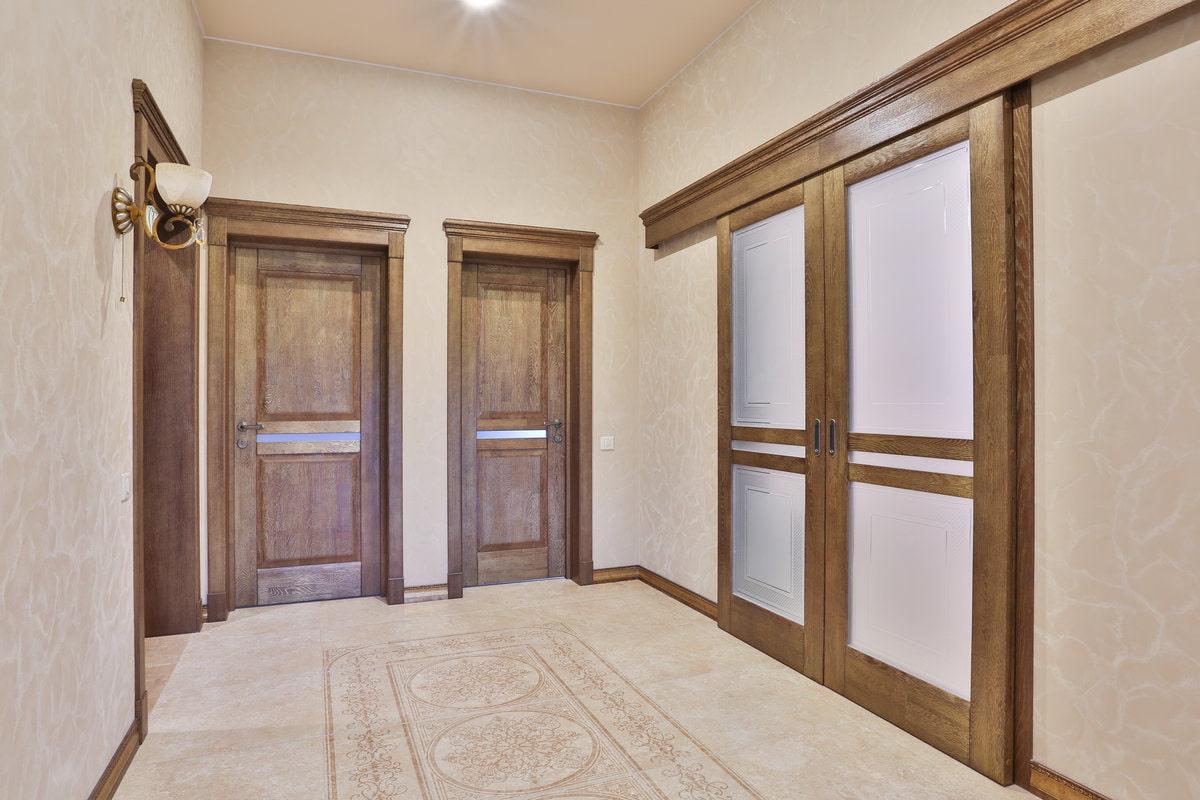 Входные и межкомнатные двери из массива сосны, алюминиевые, пвх, экошпон
